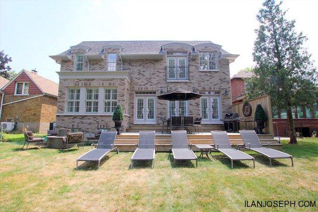 1 7 Million For Hockey Legend Doug Gilmour S Toronto Home
