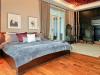 drakes-toronto-condo-grand-master-bedroom